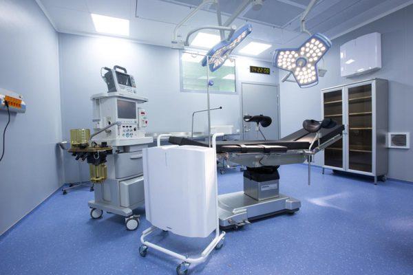 Обеззараживатель-очиститель воздуха Тион А100-М мобильный передвижной на полу.