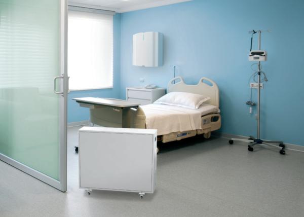 Обеззараживатель-очиститель воздуха Тион А310 в медицинской палате.